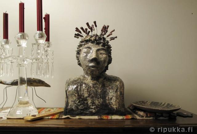Rakupatsas - rakukeramiikka, koriste-esine, patsas